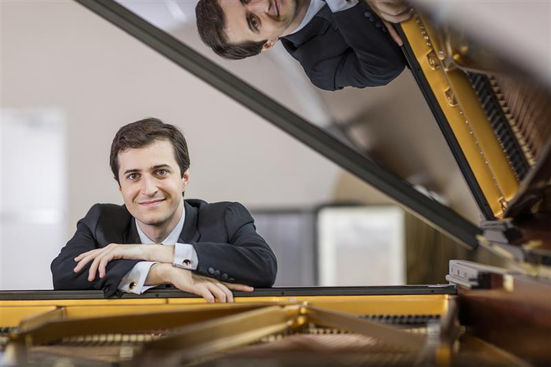 Award-winning pianist Kenny Broberg to perform in Melbourne and Sydney
